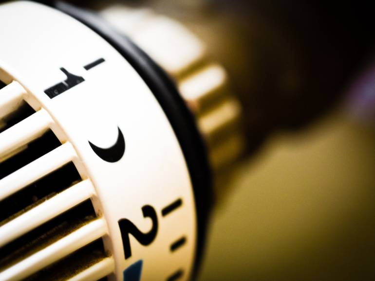 Grzejniki na prąd – dlaczego warto je wybrać?